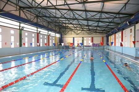 interior piscina nueva
